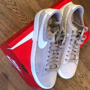 Nike Low Blazer suede diffused taupe 7 NWT